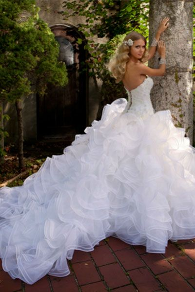 Best 46 eve of milady ideas on Pinterest | Wedding frocks, Wedding ...