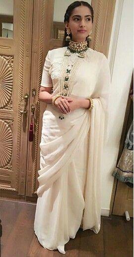 Sonam Kapoor at Diwali Party 2015 wearing Anamika Khanna