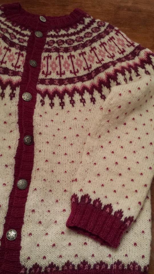 Mona Paulsen Westereng's Veme jacket. Pinned from Koftegruppa @ Facebook.