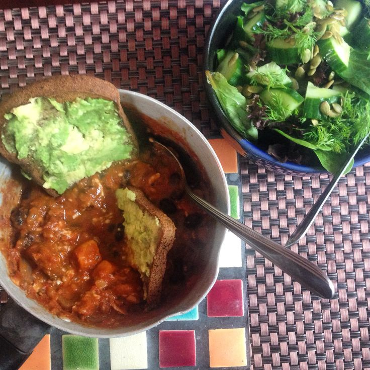 Beer Chili (Featuring Moody Ales Smoked Porter!) with avocado toast & a mixed greens salad :)
