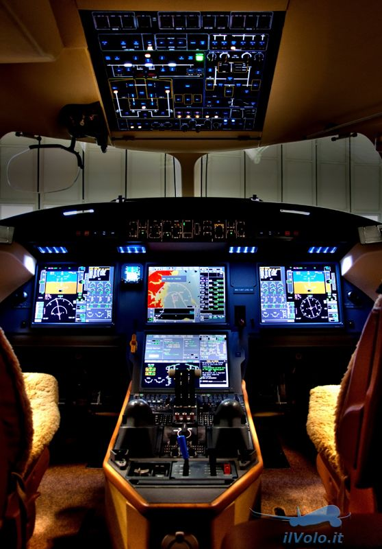 Dassault Falcon 7X cockpit #APerfectMoment #LifeCanBePerfect _______________________ WWW.PACKAIR.COM