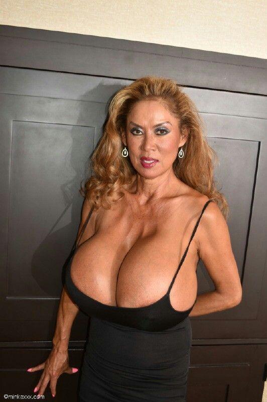 minka boobs