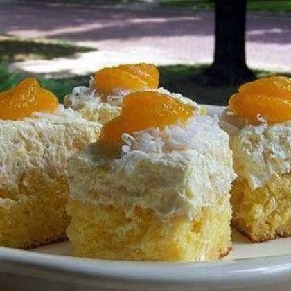 Hawaiian Dream Cake (yummy, added homemade whip creme instead of the cool whip)