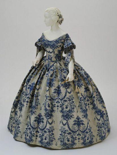Blue & Ivory Evening Dress from 1850-1855  (The Philadelphia Museum of Art)
