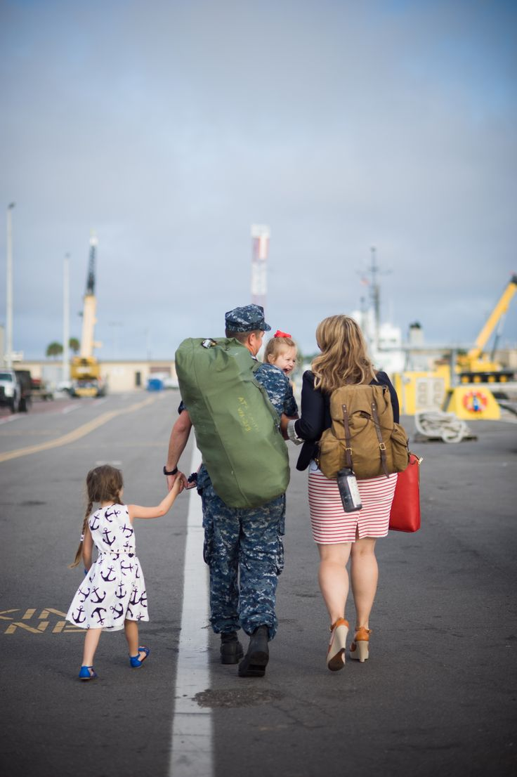 Navy Homecoming – Jacksonville Family Photographer » Photography by Virginia Hobbs