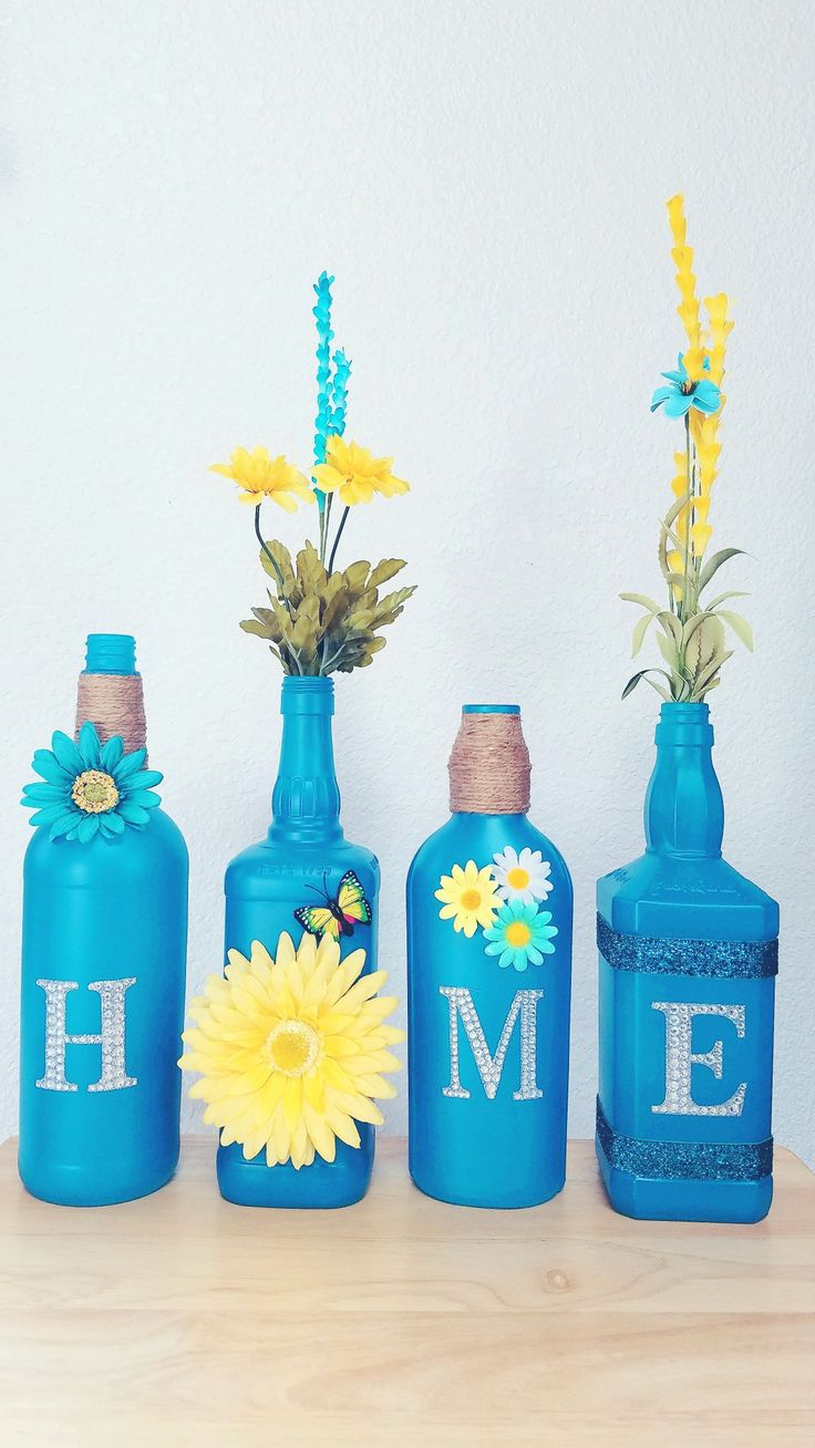 "Turquoise ""HOME"" bottle set"