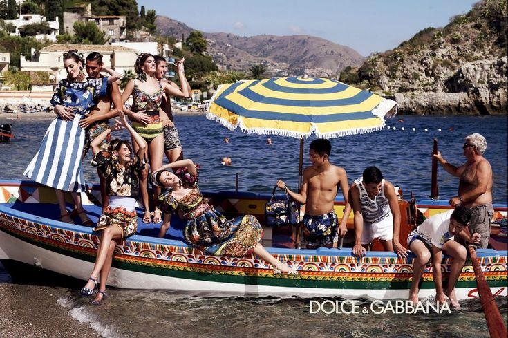Dolce Gabbana - Campaign advertising. Spring-Summer 2013.