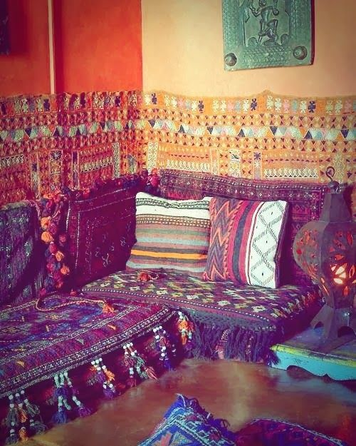 Middle Eastern Style Floor Pillows : 17 Best images about Majlis Seating on Pinterest Floor cushions, Dubai and Bucharest romania