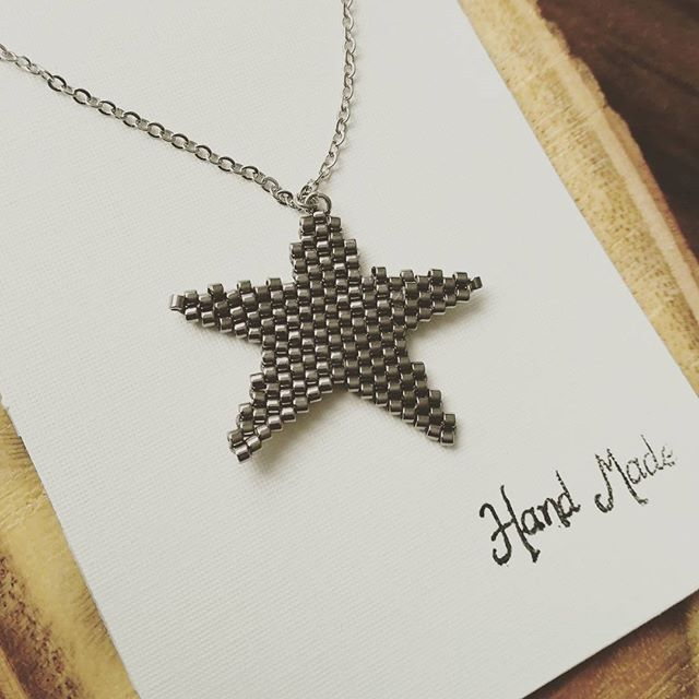 #miyuki#bead#miyukiboncuk#miyukibead#necklace#kolye#accessories#aksesuar#jewellery#taki#tasarim#denizyildizi#moda#trend#fashion#stil#art#instafashion#instamoda#instalike#like#love#handcraft#handmade#elyapimi#elisi#woman#kadin