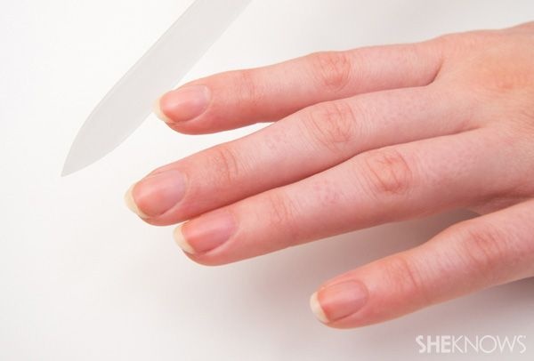 8 Step do-it-yourself French manicure: Step 2