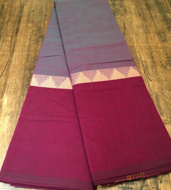South Baumwolle 2 Ton Sari mit einer Mischung aus lila und Magenta. Kann mit einer Vielzahl von Styles und Farben Bluse getragen werden. Einfach raffiniert noch. Geschenk mit Kauf :)  Senden Sie für alle Kanadier uns bitte eine Nachricht über kanadische Preise und Zahlungsmöglichkeiten Überweisung bitten.  Folgen Sie uns auf Facebook als Tribhangi und halten Sie auf dem Laufenden über neue Aktionen und Produkte.  Versandmitteilung: Internationale Bestellungen werden per standard-Versand und…