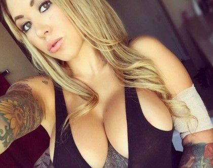 Blonde boobs eyes green small Curvy