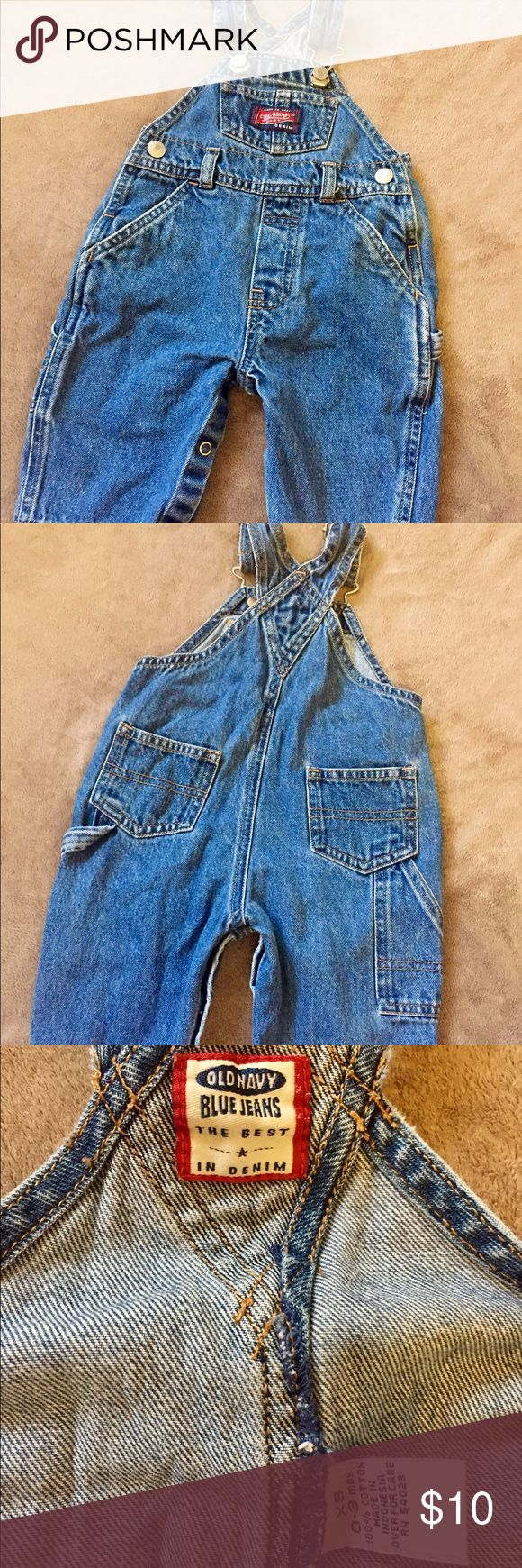 ✨Old Navy✨infant denim overalls Adorable Old Navy infant denim overalls, XS 0-3m. Good condition, no tears or stains. Old Navy Bottoms Overalls