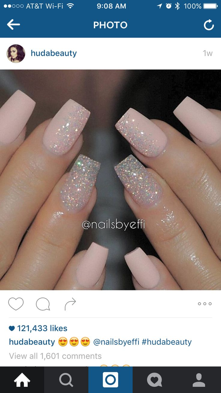 I love this design... But I have stiletto nails. I am literally going to do this color combo. At the nail salon right now, and I'm going for its but I'm keeping my stiletto shape. Hell. Yes.