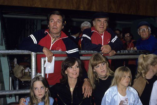 Robert Wagner with Lionel Stander, Natalie Wood and daughters Natasha, Courtney and Katie circa 1980s