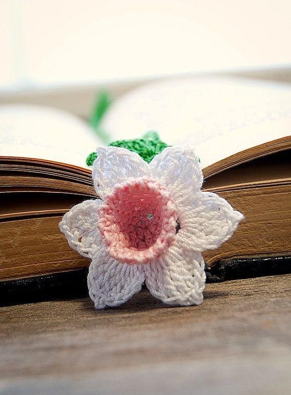 crochet flower bookmark** so pretty!! **