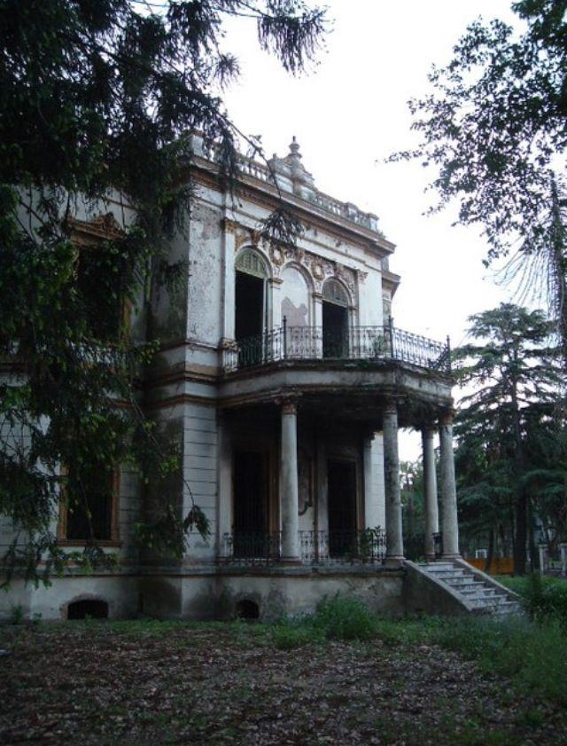 The Louisiana swamp home