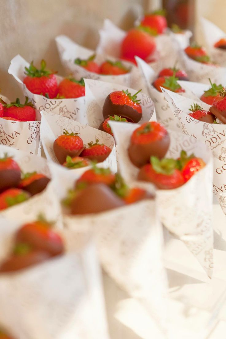 99 best Godiva | Chocolate Dipped Strawberries images on Pinterest ...