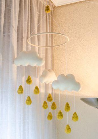 Articles similaires à Nouveaux nuages et pluie or Drops Mobile - Mobile bébé - Nursery Mobile - Crochet Mobile - pépinière Decor - couleurs personnalisées sur Etsy