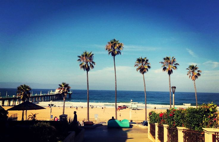 20 miles from Downtown Los Angeles, this beach has a balance of lively bars and romantic corner side restaurants.