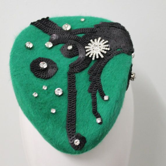 Kelly green fur felt hat with Art Deco by WendyLouiseVintage