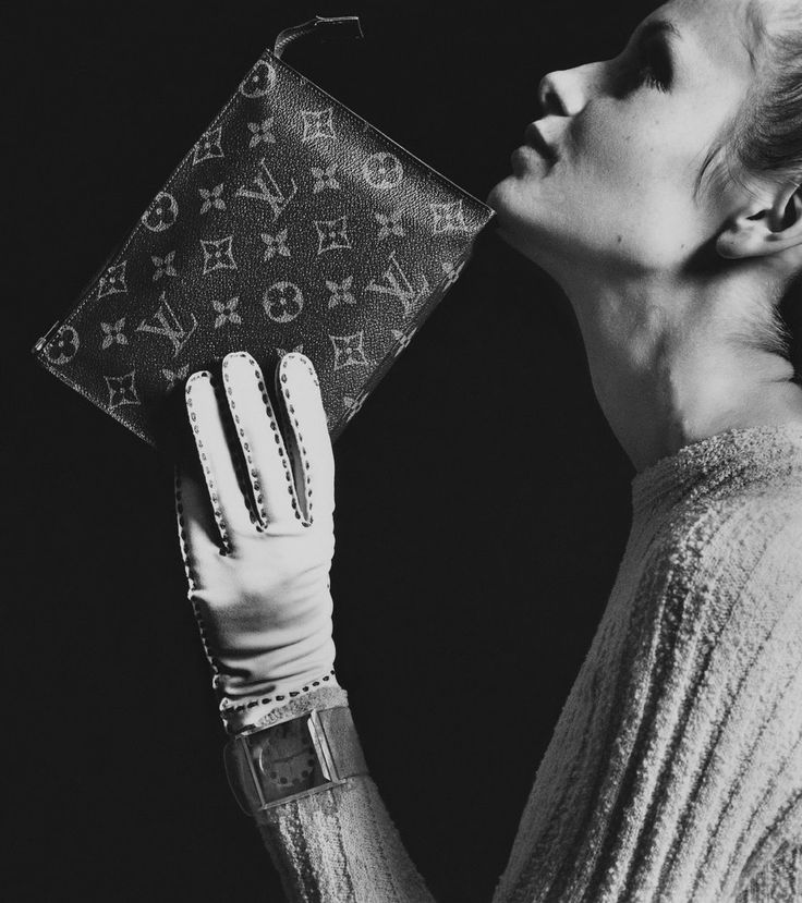 Twiggy for Louis Vuitton, photo by Bert Stern, 1967.