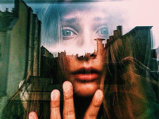 #фильм#girl #beautiful#в#да#осень #октябрь#летовернись#гдемойборщ#baltikgerl#давайпойдемвкино#сквозь#тайноеокно#печаль#дом#фотограф#фото#портрет#цвет#непонимание#бункер#как#триптих#креатив#арт#стиль