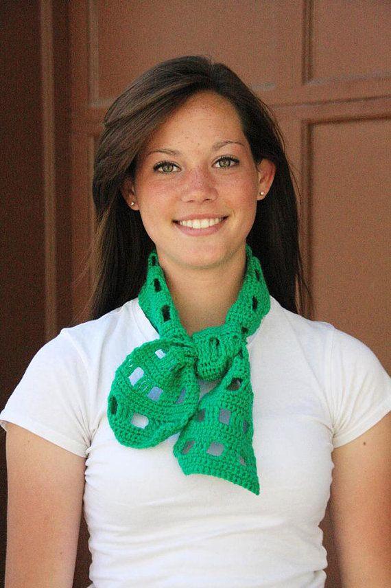 Best 25+ Short scarfs ideas on Pinterest | Fold a scarf ...