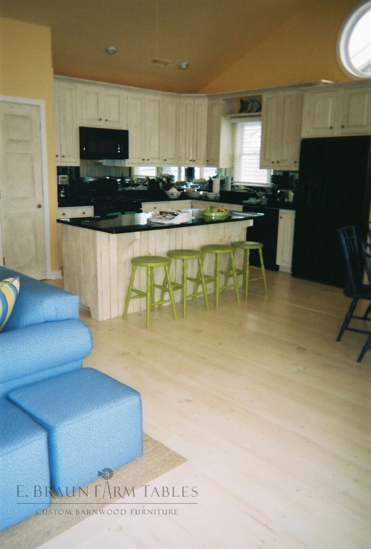 Reclaimed White Pine Barn Wood Flooring   We Handcraft Custom Furniture,  Flooring, And One