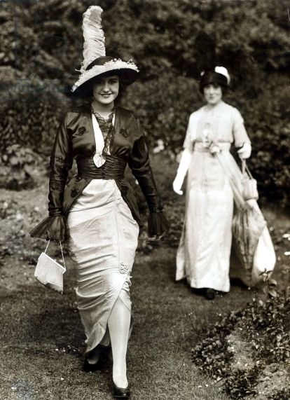 Fashion at Royal Ascot c.1913   via http://images.bridgemanart.com