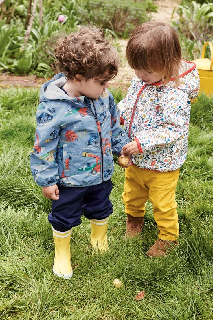 Come rain, this lightweight waterproof jacket will protect your little one, and come shine, it can be packed away into its own pocket – brilliantly handy, we think you'll agree. Pair with our waterproof overalls to keep your baby dry even when the rain is bucketing down.
