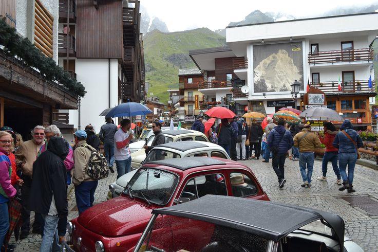 Primo Raduno FIAT 500 Cinquino nella Valle del Cervino 2014 sosta a Breuil-Cervinia  Valtournenche ( Aosta Valley )  02/08/2014 FIAT 500 CLUB ITALIA COORDINAMENTO DI CREMONA  #valtournenche   #breuilcervinia   #cervino   #aostavalley   #enjoycervino   #summeradrenaline  #fiat500   #fiat500owners   #fontina  #dreamcar   #finally   #happy   #loveit   #car   #minicar   #italiancars   #fiat