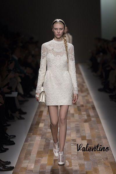Fashion Trend: Εκρού #runway #fashion #catwalk #lace #lacedress #style #womensstyle #womensfashion #womensoutfits #valentino