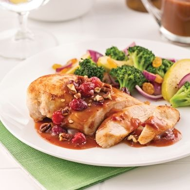 Poitrines de poulet, sauce aux canneberges et pacanes - Soupers de semaine - Recettes 5-15 - Recettes express 5/15 - Pratico Pratique