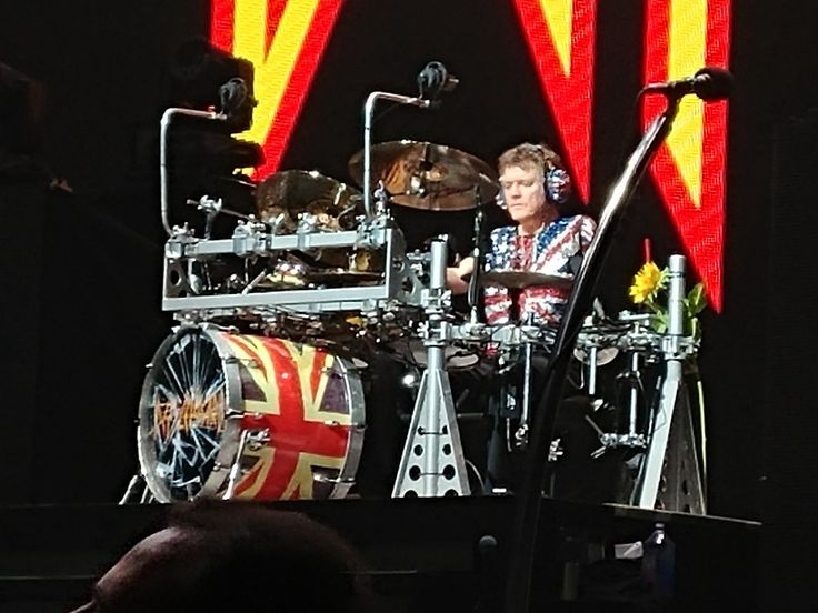 Rick Allen, the famed drummer for Def Leppard, has revealed an amazing artistic side beyond his musical attributes. Allen is wowing fans…