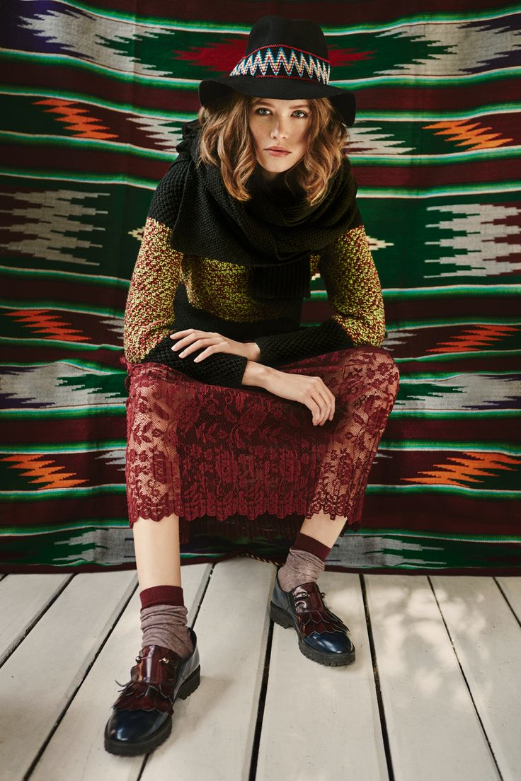 Hand knitted jumper LA PERUANA from B SIDES LA AMERICANA collection (100% fine merino wool) #bsideshandmade #basiachrabolowska #sustainableknitwear
