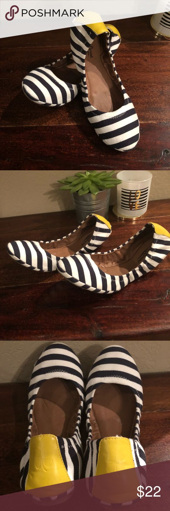 Lucky Brand Flats NWOT absolutely adorable striped Lucky Brand flats, never worn. Lucky Brand Shoes Flats & Loafers