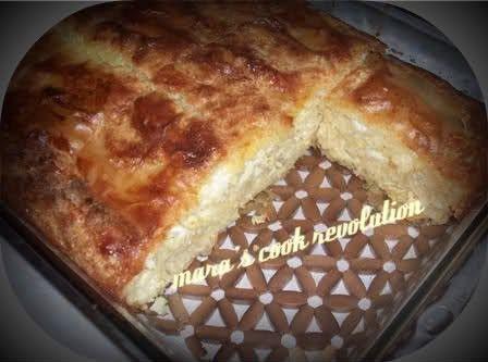 Μία υπέροχη και αφράτη τυρόπιτα!  Στερεοελλαδίτικηεκδοχή!   Υλικά   §  500 γρ. φύλλο κρούστας §  500 γρ. φέτα μαλακή §  4 αυγά §  2 -2...