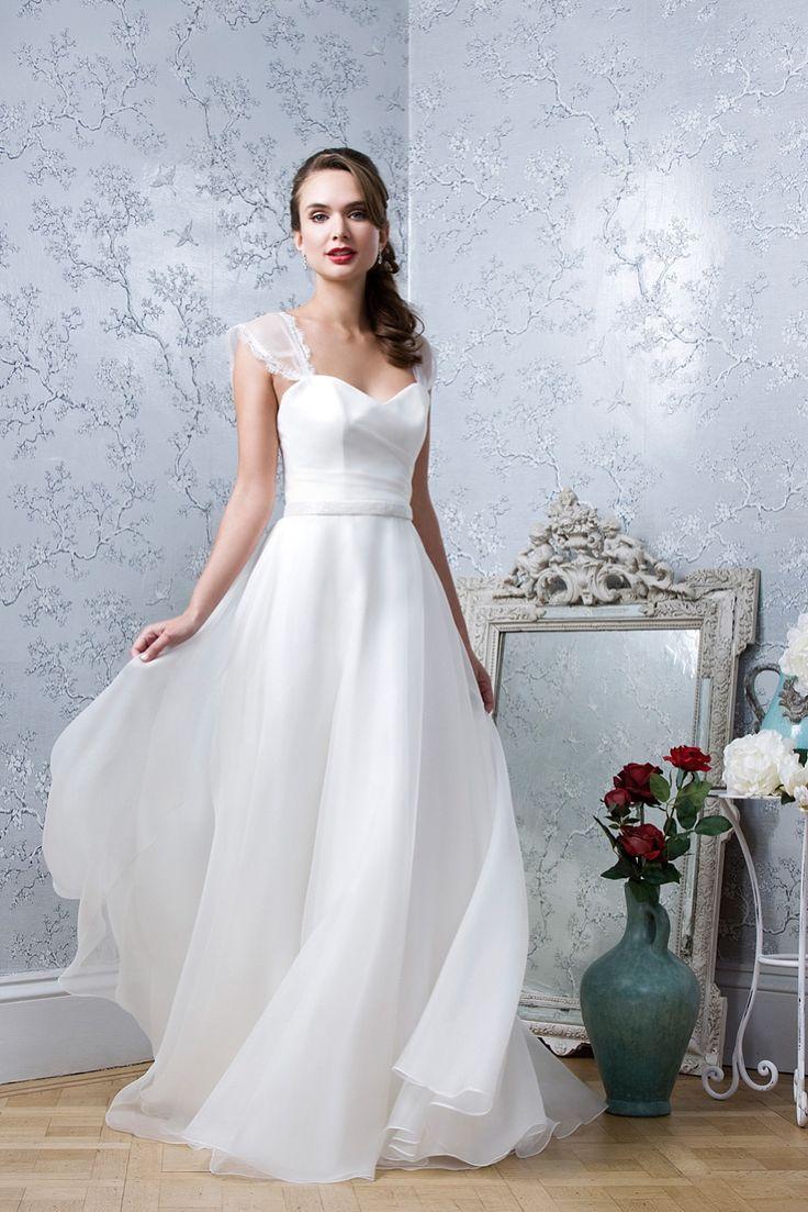 media emma hunt london effortlessly elegant timeless silhouettes modern bride