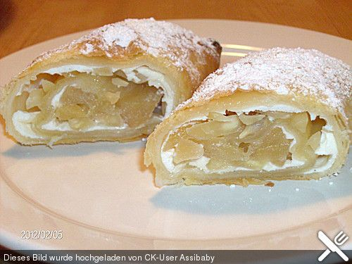 Apfel - Quark - Taschen, ein sehr schönes Rezept aus der Kategorie Kuchen. Bewertungen: 29. Durchschnitt: Ø 4,3.