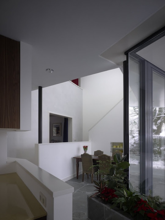 Saariste-Verduijn House, Zuidplas NL  architect: Tycho Saariste  photo: Christian Richters