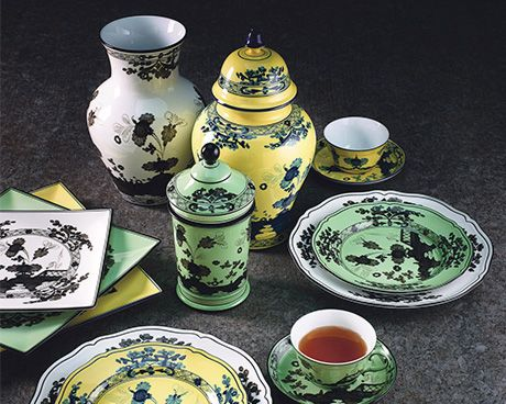 """Richard Ginori, one of Italy's leading manufacturers of high-quality porcelain tableware, usually referred to as """"pure porcelain"""", tells the story of excellence, savoir-faire, tradition and craftsmanship that goes back over 280 years.  #ItalianDesignerTableware #LuxuryTableware"""