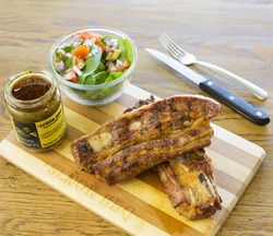 Hire of wooden board, steak knife and fork ($4 per set)