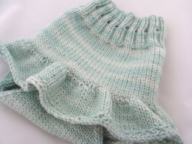 Free Hand Knitting Patterns For Babies : 17 Best images about Knitting-babies-dresses&skirts on Pinterest