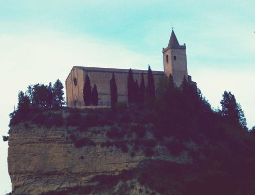 Le Marche - Offida Santa Maria della Rocca