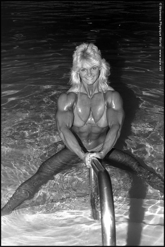 Raye Hollitt Nude Photos 70