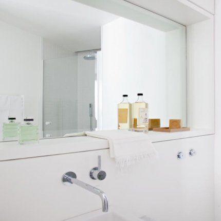 Une salle de bains dissimulée