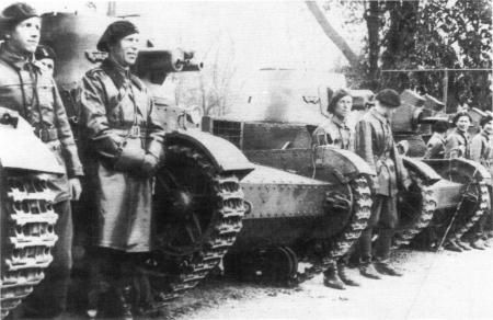 Anotherr photo of Vickers tanks .
