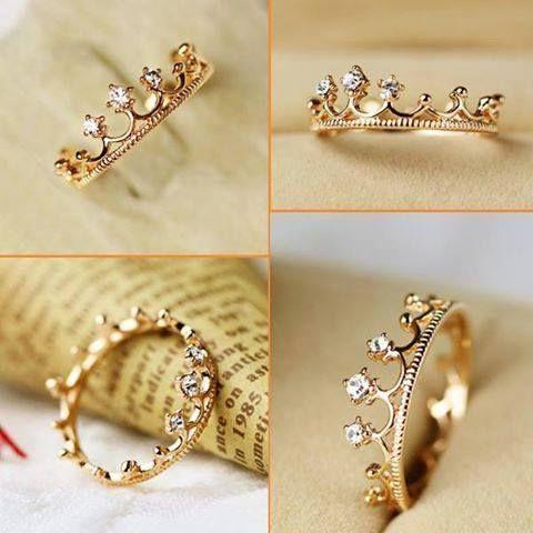 anillos con forma de corona