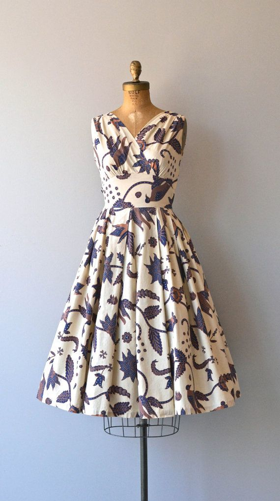 Sunda Islands dress • vintage 1950s dress • cotton floral 50s dress